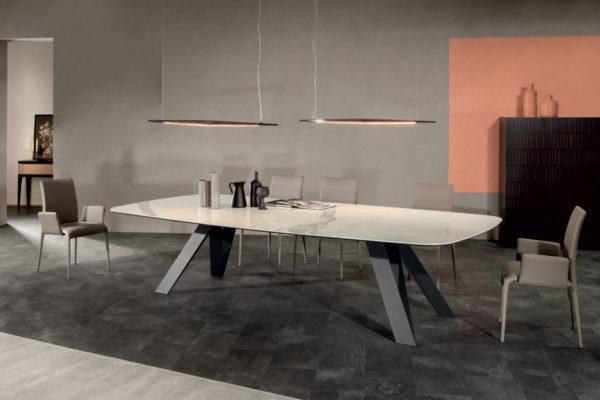 Стол  CELTIS Tonin Casa купить в салоне-студии мебели Барселона mnogospalen.ru много спален мебель Италии классические современные